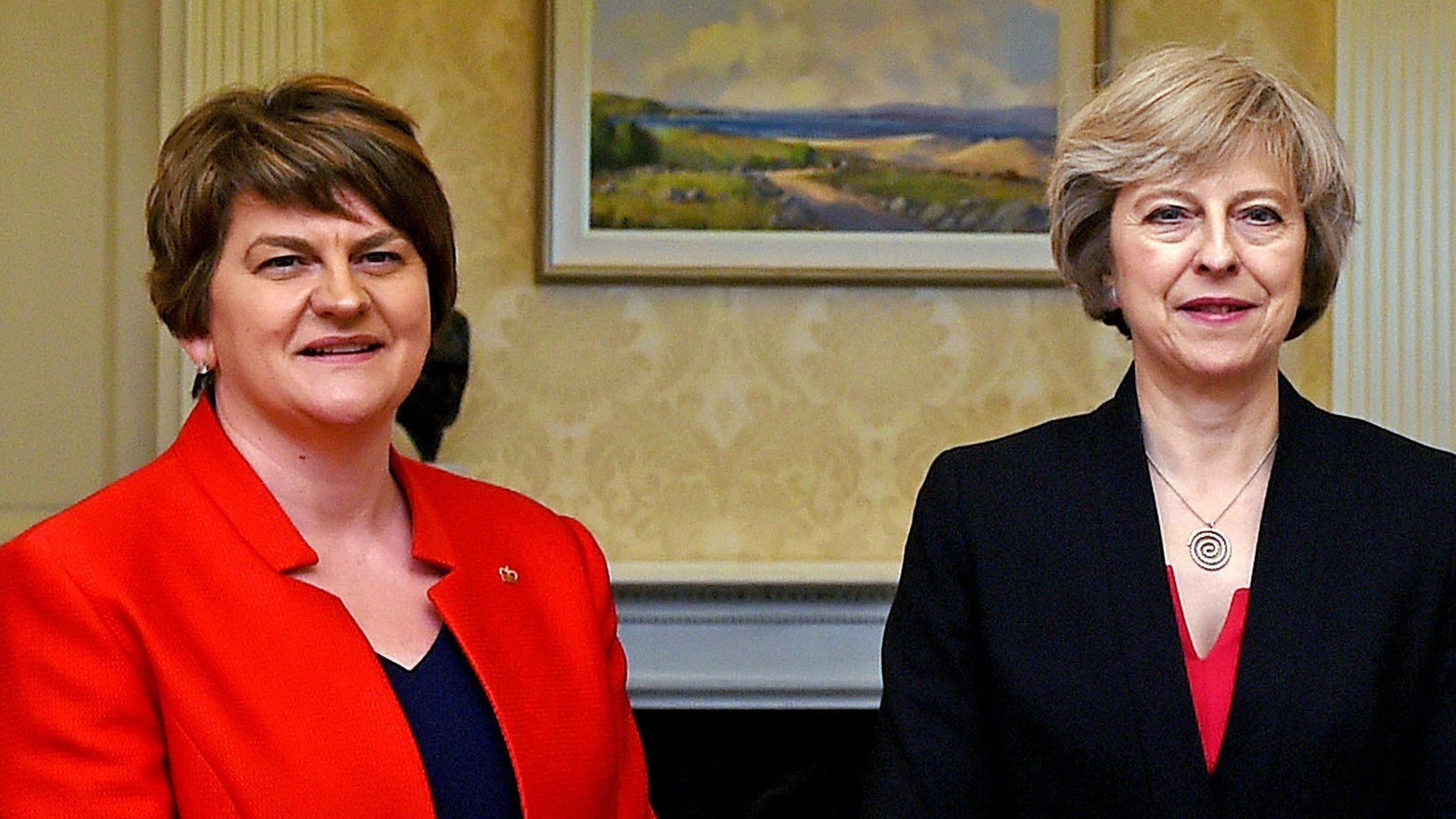 Talks to prop up May´s government continue with DUP
